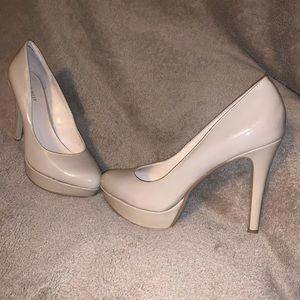 Nine West cream patent leather heels